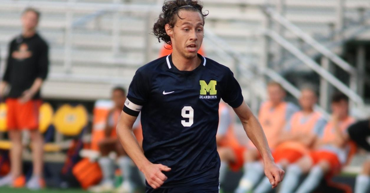 Late Goal Pushes Wolverines past Hornets 2-1