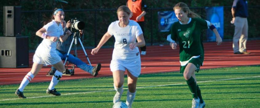 Women's soccer holds off Babson, 2-1