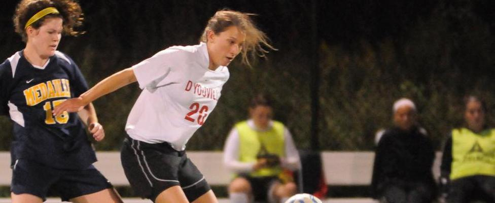 Women's Soccer Stays Unbeaten After 3-1 Win