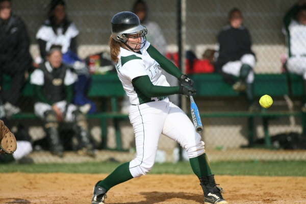 Softball Defeats Blue Knights in First Round