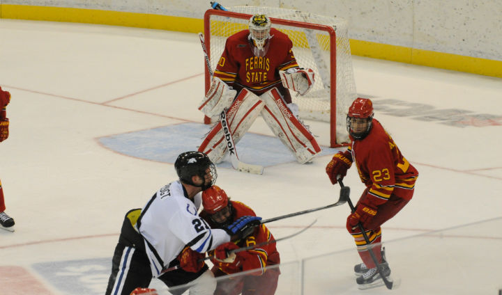 Big First Period Lifts Ferris State Hockey To Road Win In First-Ever WCHA Action