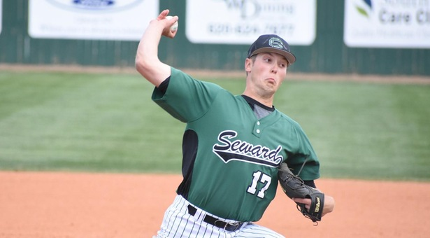 Saints split doubleheader with Broncbusters