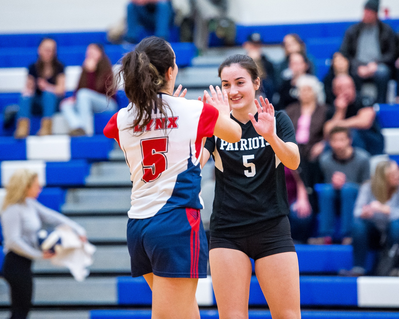 Taylor and Lafleur named MVPs of the 2018 Niagara Region Girls Volleyball Showcase