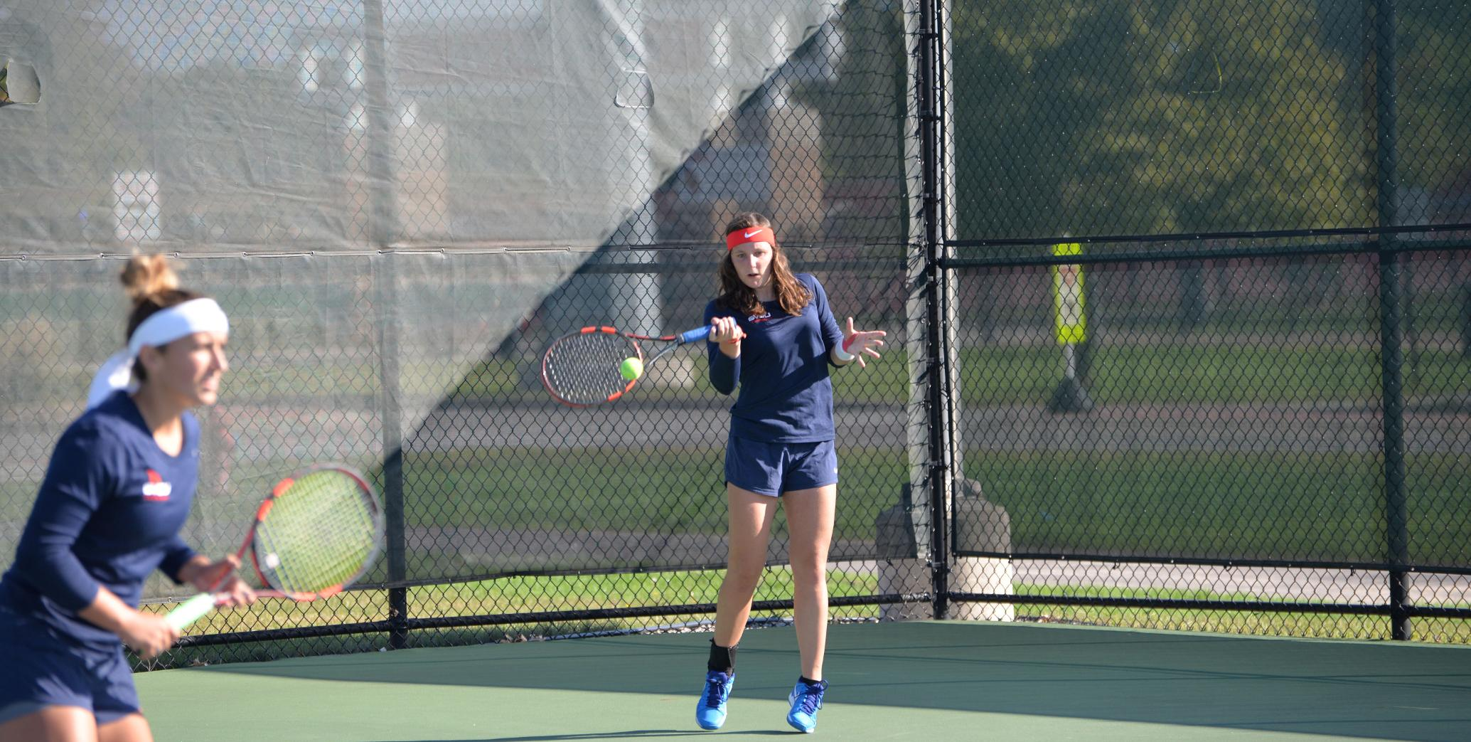 Tennis Falls to Ferris State in GLIAC Tourney Opener, 5-3