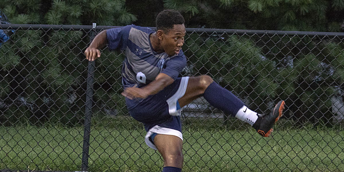 Fast start propels men's soccer over New Jersey City, 2-1