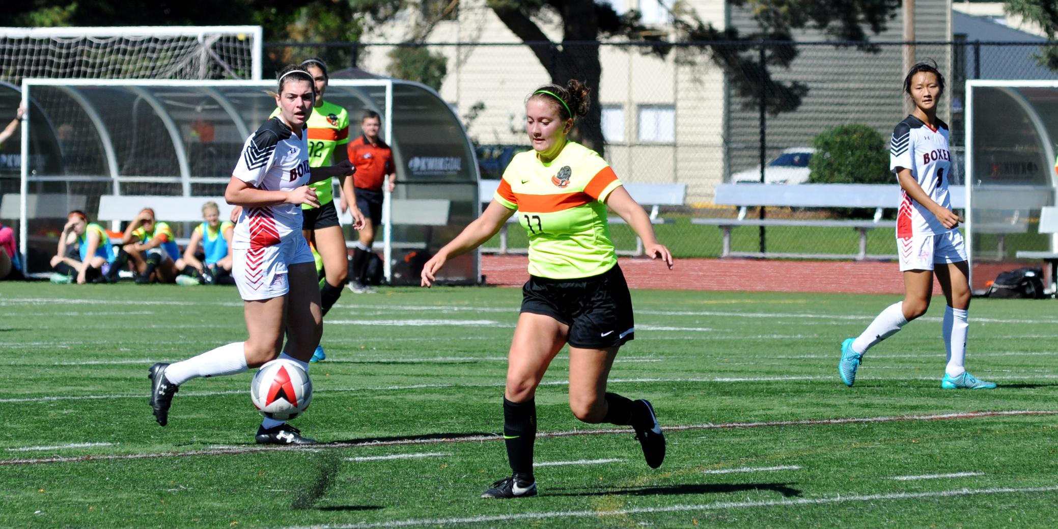 Hennes' second-half goal takes Pioneers to road win