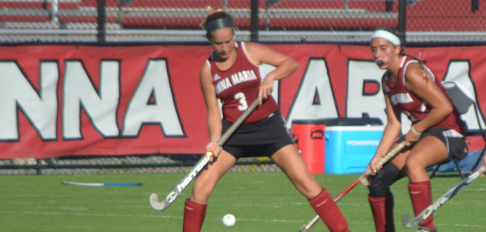 Field Hockey Soars to 4-1 Victory over Becker