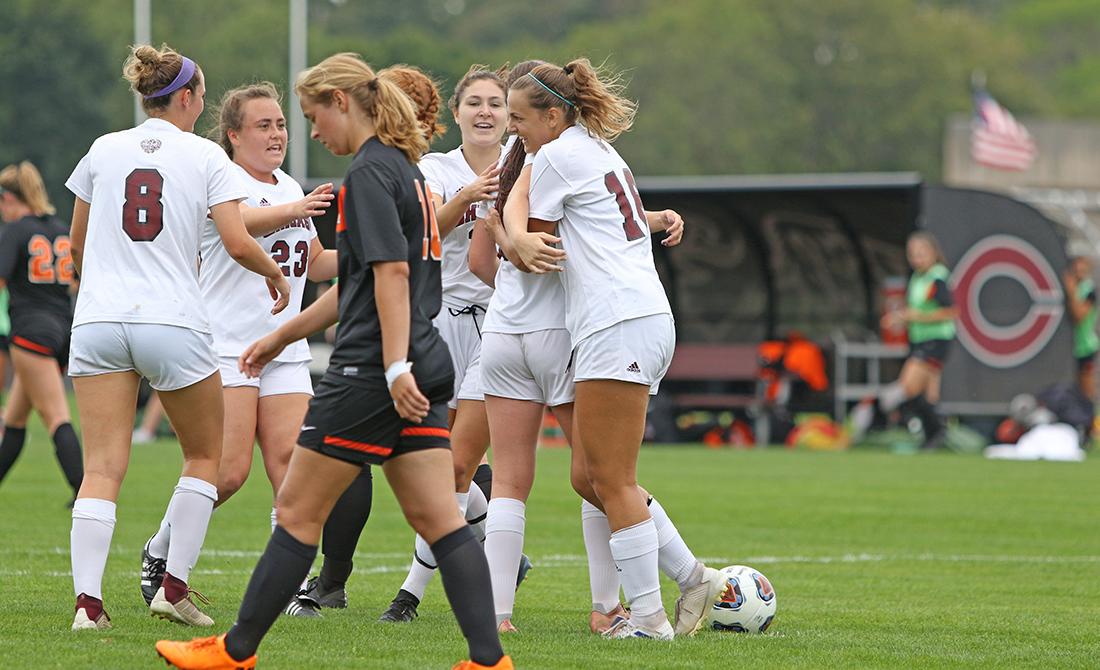 UChicago Women's Soccer Extends Win Streak, Defeats Kalamazoo 3-1