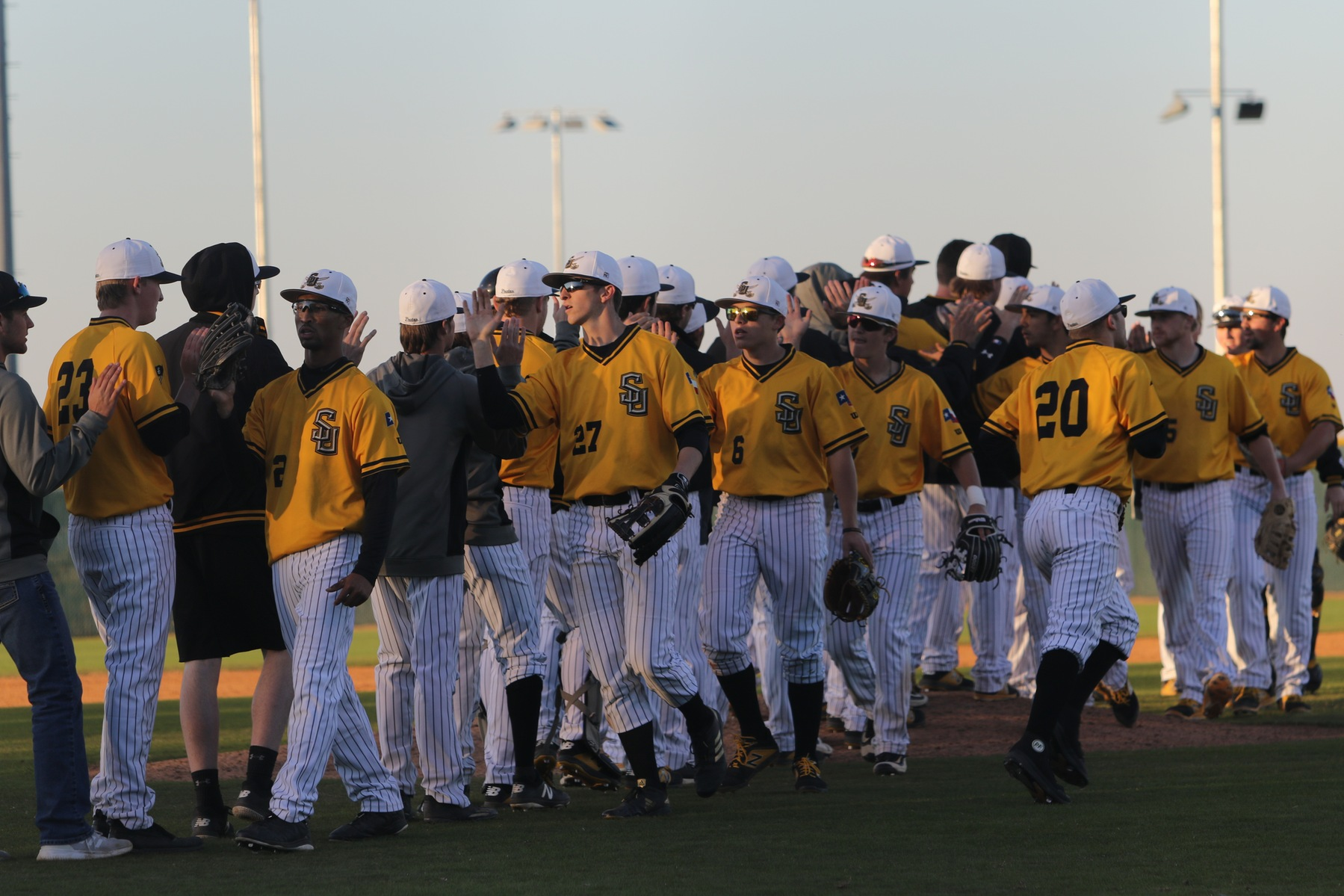 Baseball Wins Conference Opener In Extra Innings