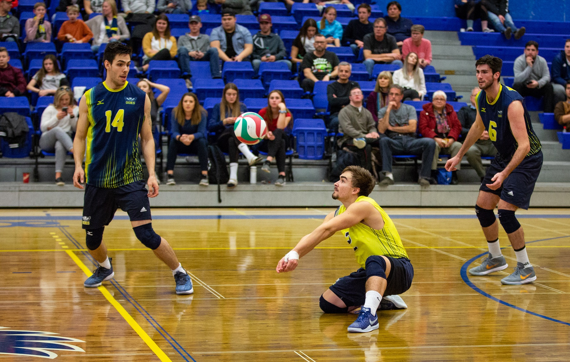 Huskies Win Final Three Sets To Top Ooks