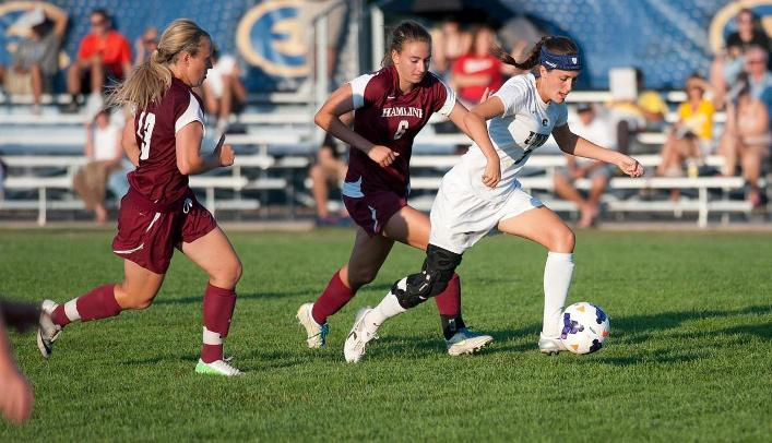Women's Soccer Beats Pioneers to Move to WIAC Semifinals