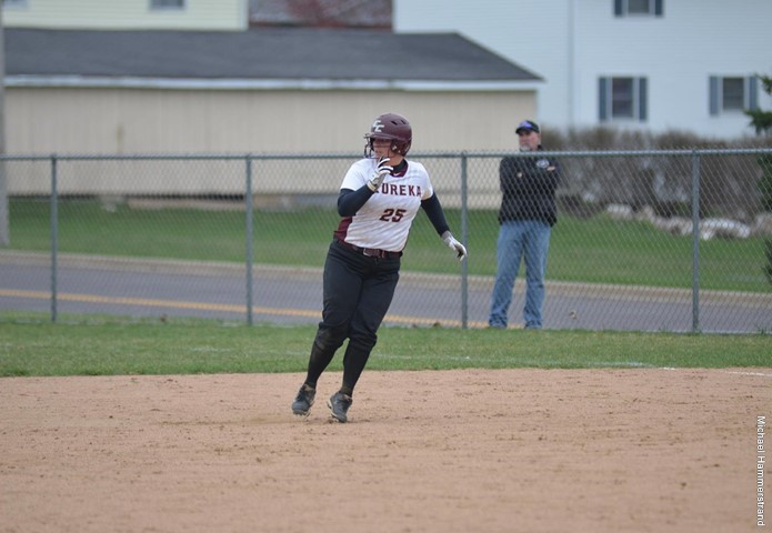 EC softball takes a pair from Knox