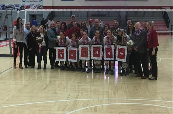 Women's Volleyball Celebrates Senior Day with Sweep over CCSU