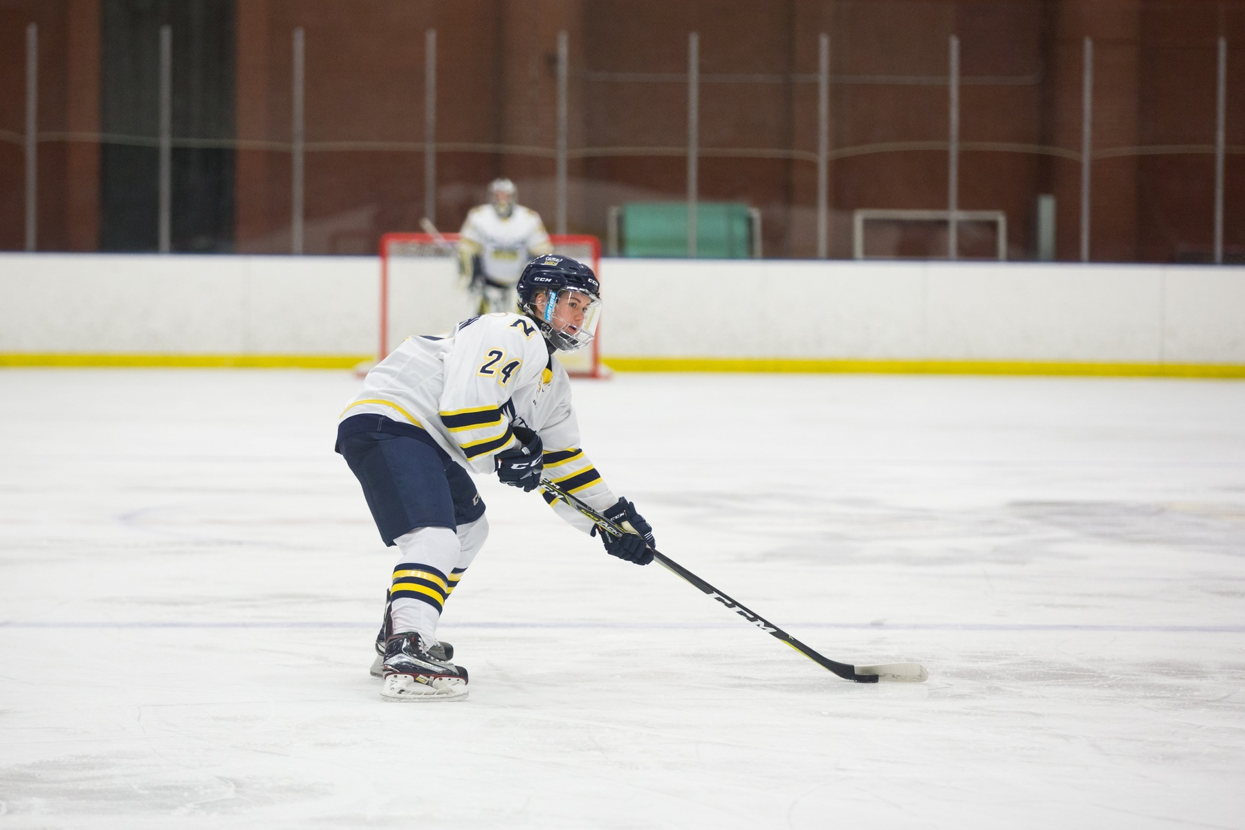Ooks Outsoar Griffins In Tight Game