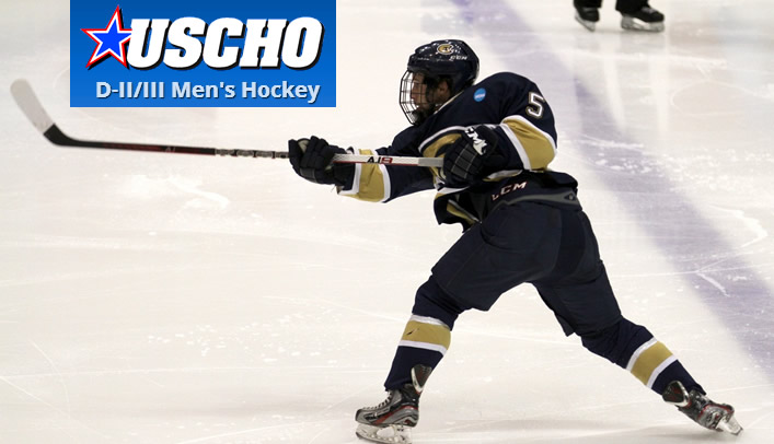 Men's Hockey Players & Coach Earn USCHO.com and D3hockey.com Honors