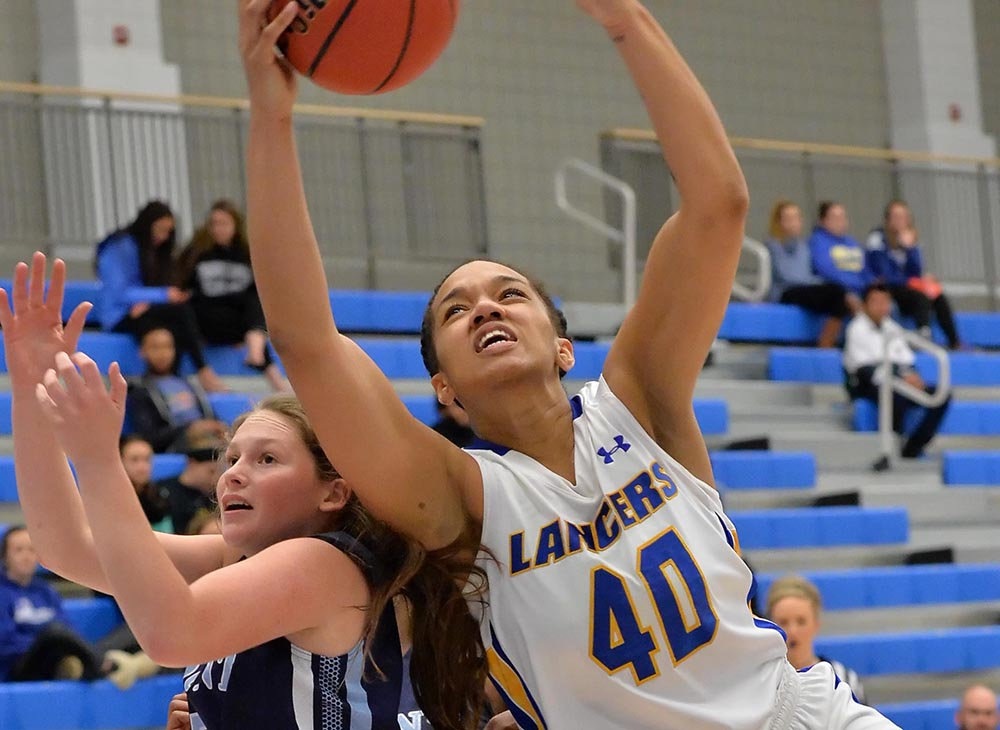 Women's Basketball Wins Fifth Straight on Senior Night; Defeats Framingham State 62-55