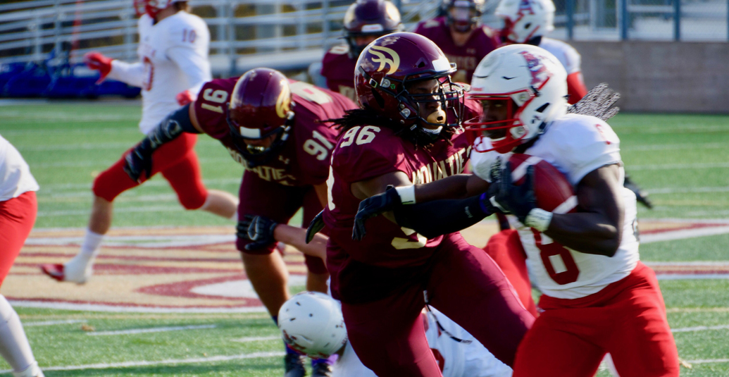 Mounties lose to Acadia but clinch playoff spot