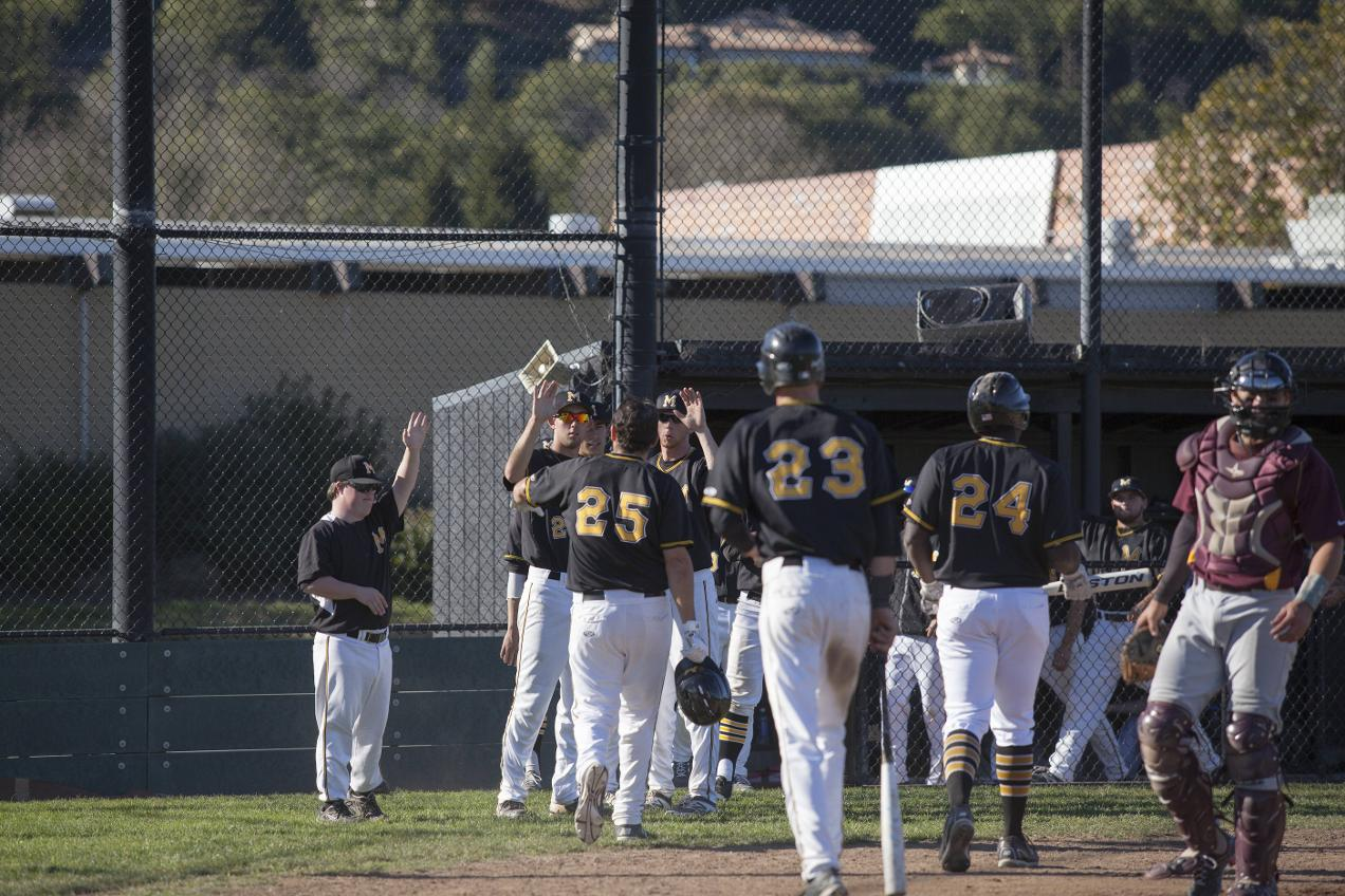 Nightmarish Ninth Dooms Marin In 12-4 Loss to Folsom Lake