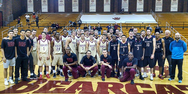 Players for the Willamette and Alumni teams at the 2015-16 Alumni Game