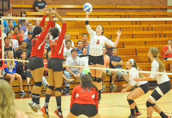 Red Devil Volleyball ends on a good note