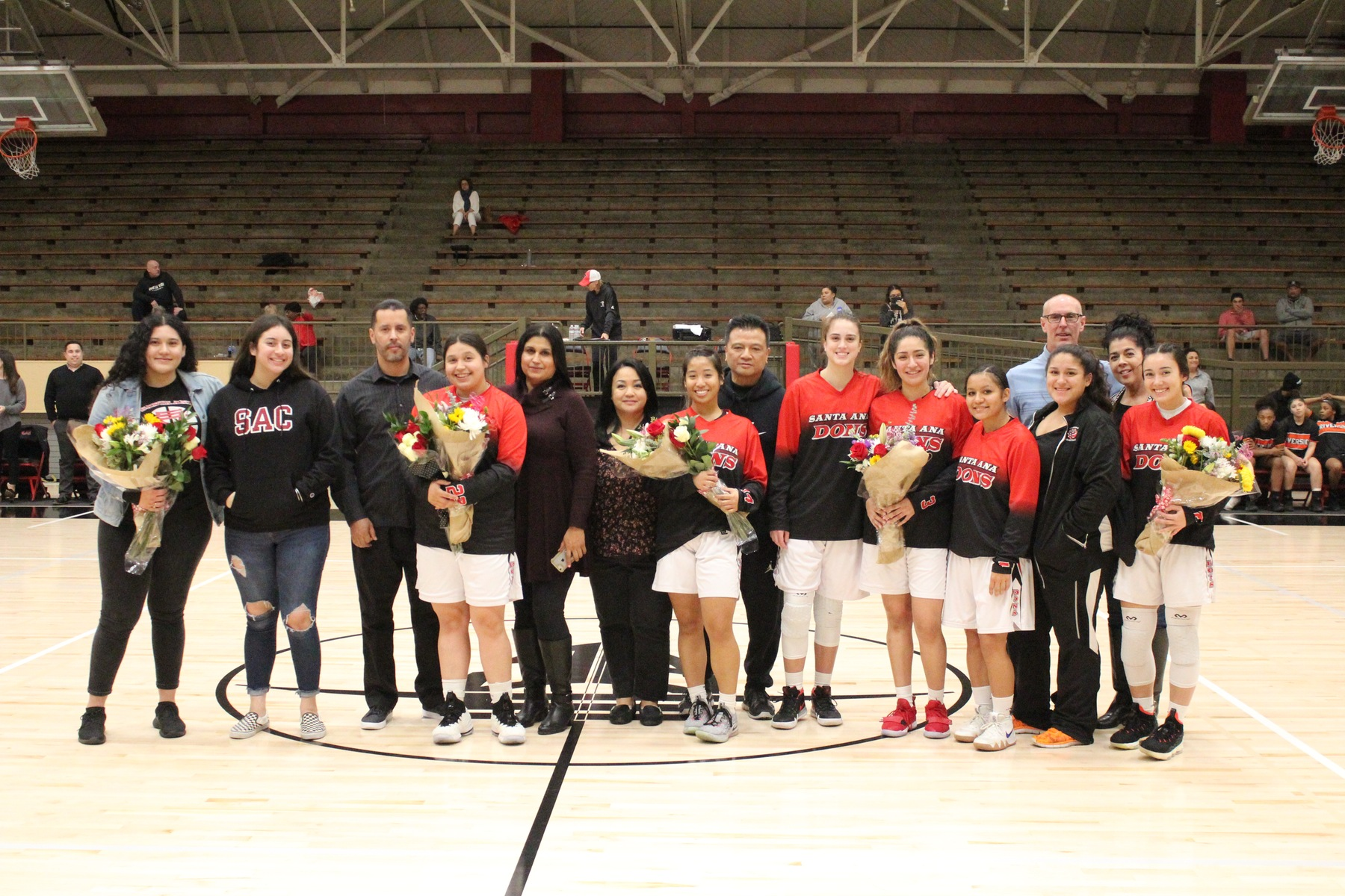 Dons Honor Five on Sophomore Night