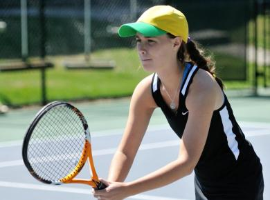 Women's Tennis Splits Tuesday in Orlando