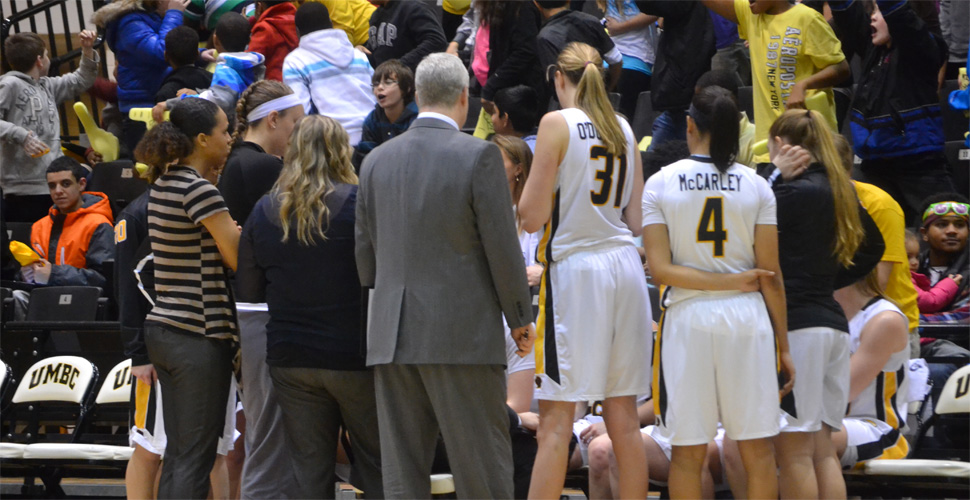 Women's Basketball Travels to Stony Brook for Monday Matinee