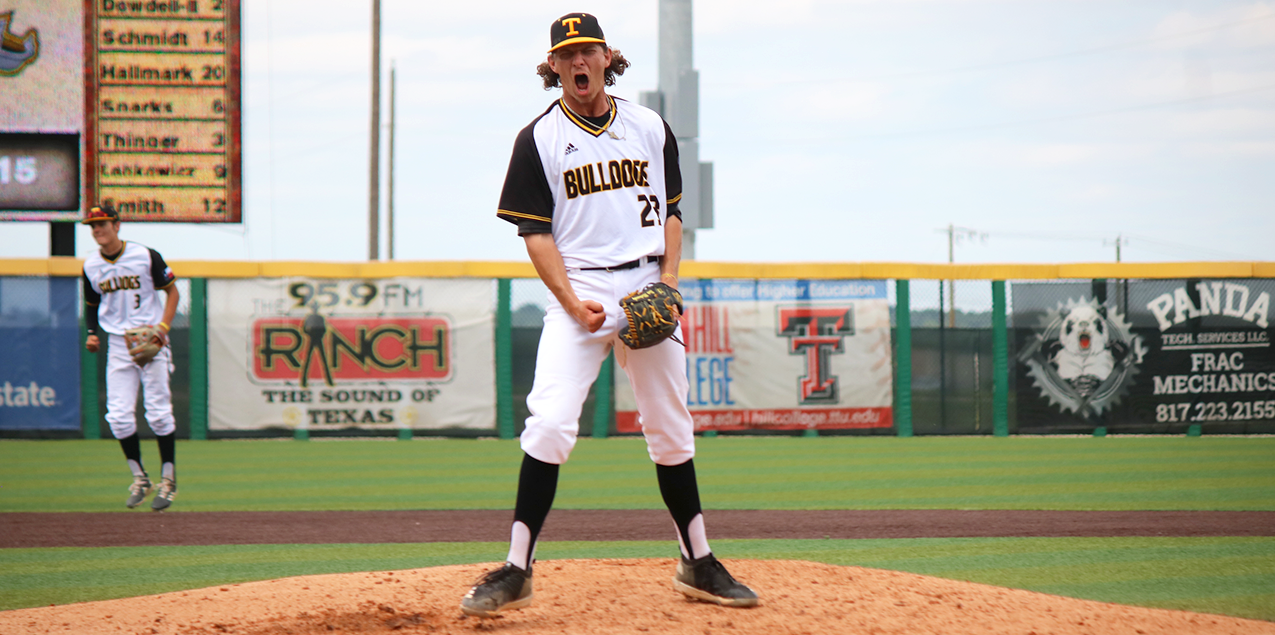 Three-Run Eighth Propels Texas Lutheran Past Southwestern in SCAC Tourney Opener