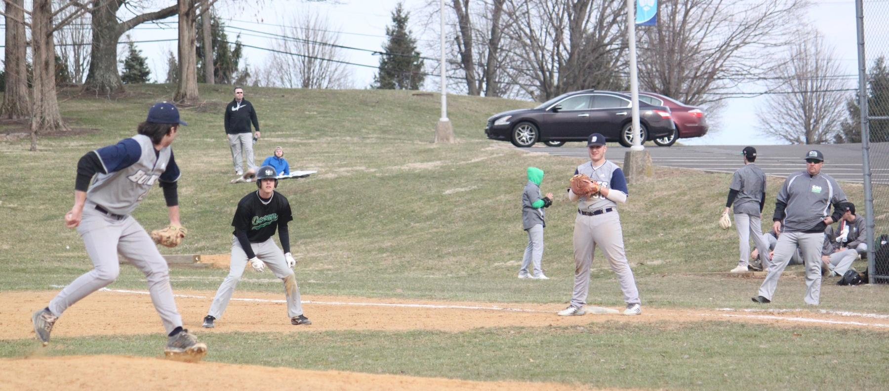 Baseball Rallies to Split with Manor