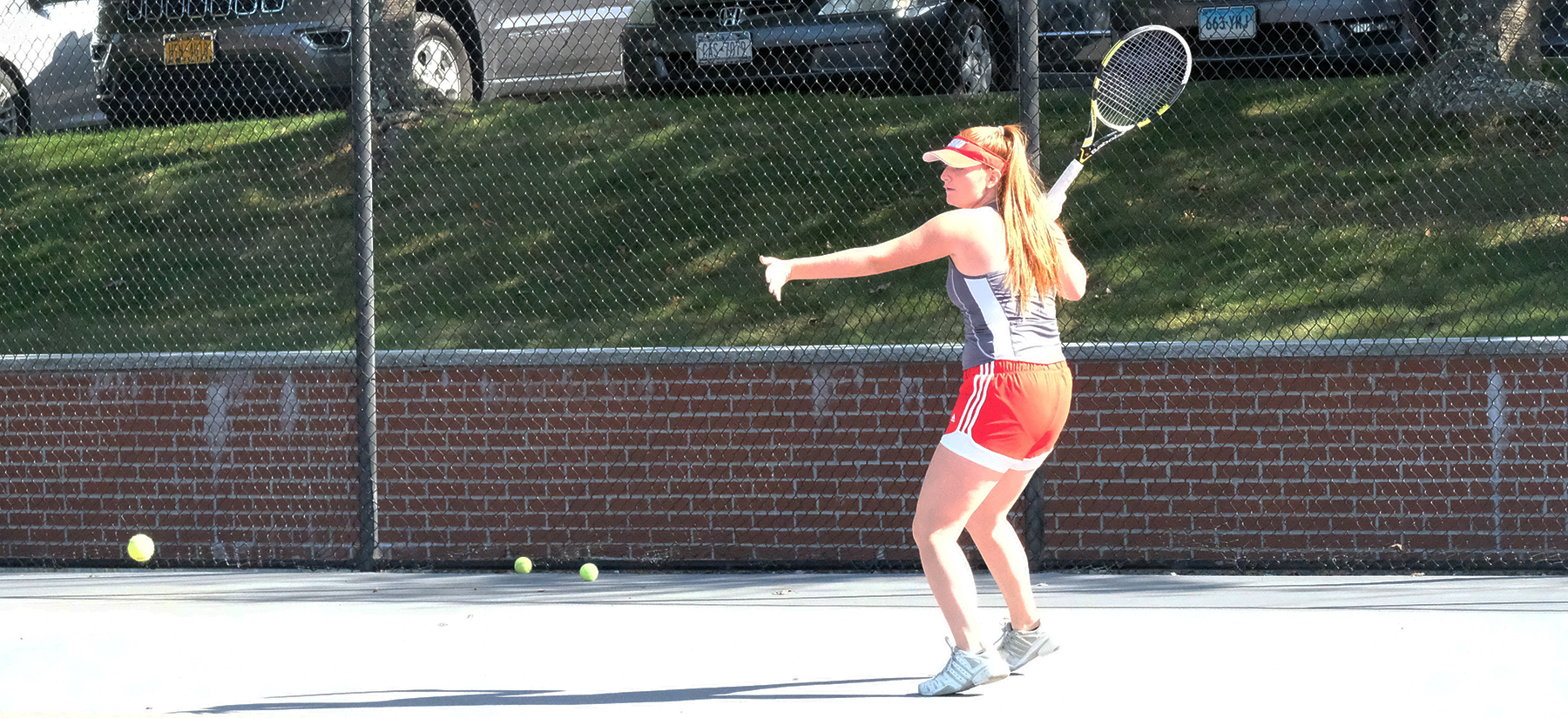 Women's Tennis Wraps up Day One at QU Invite
