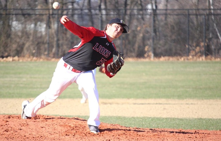 Baseball Edges Lasell, 9-8, in Midweek Clash