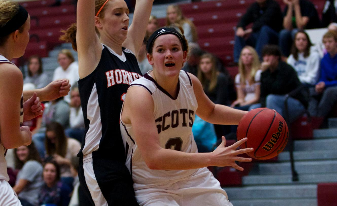 Women's Basketball hosted Kalamazoo on Saturday afternoon and defeated the Hornets 65-44