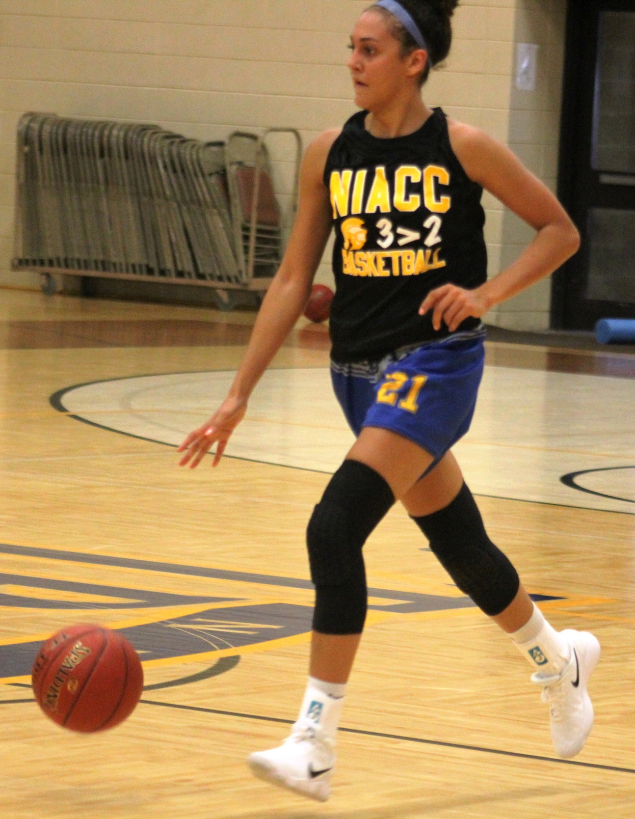 NIACC's Laker Ward dribble the ball up court in a recent practice.