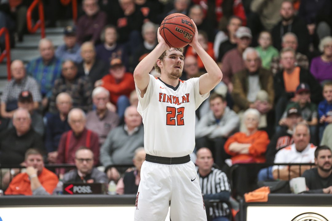 Oilers Hang on For 89-85 Win over Pioneers