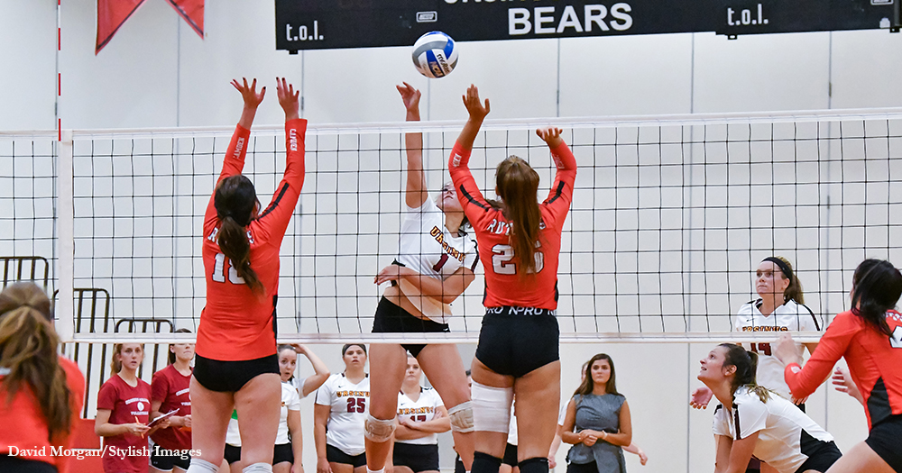 Volleyball Sweeps Raptors in Home Opener