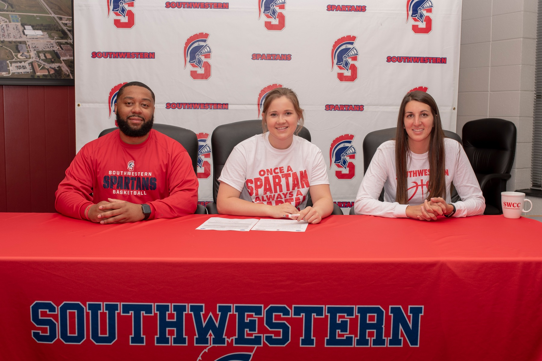 Samantha Hagedorn signs her National Letter of Intent to play basketball at Southwestern Community College next year.