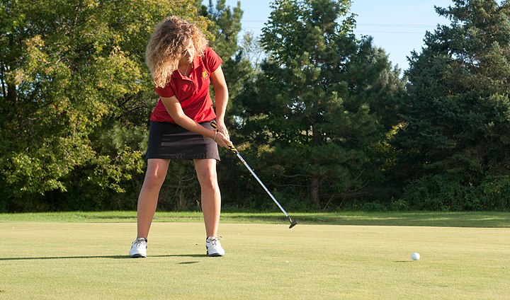 Ferris State Women's Golf Among Top Three Teams For Fourth-Straight Event
