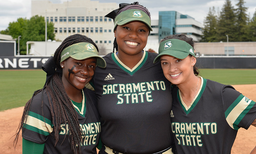 SOFTBALL BEATS NORTH DAKOTA ON SENIOR DAY, MOVES INTO A TIE FOR FIRST PLACE