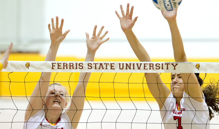 Sutton, Fordyce Among AVCA All-Midwest Region Selections