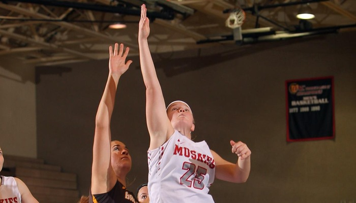 Women's Basketball tops Otterbein on the road