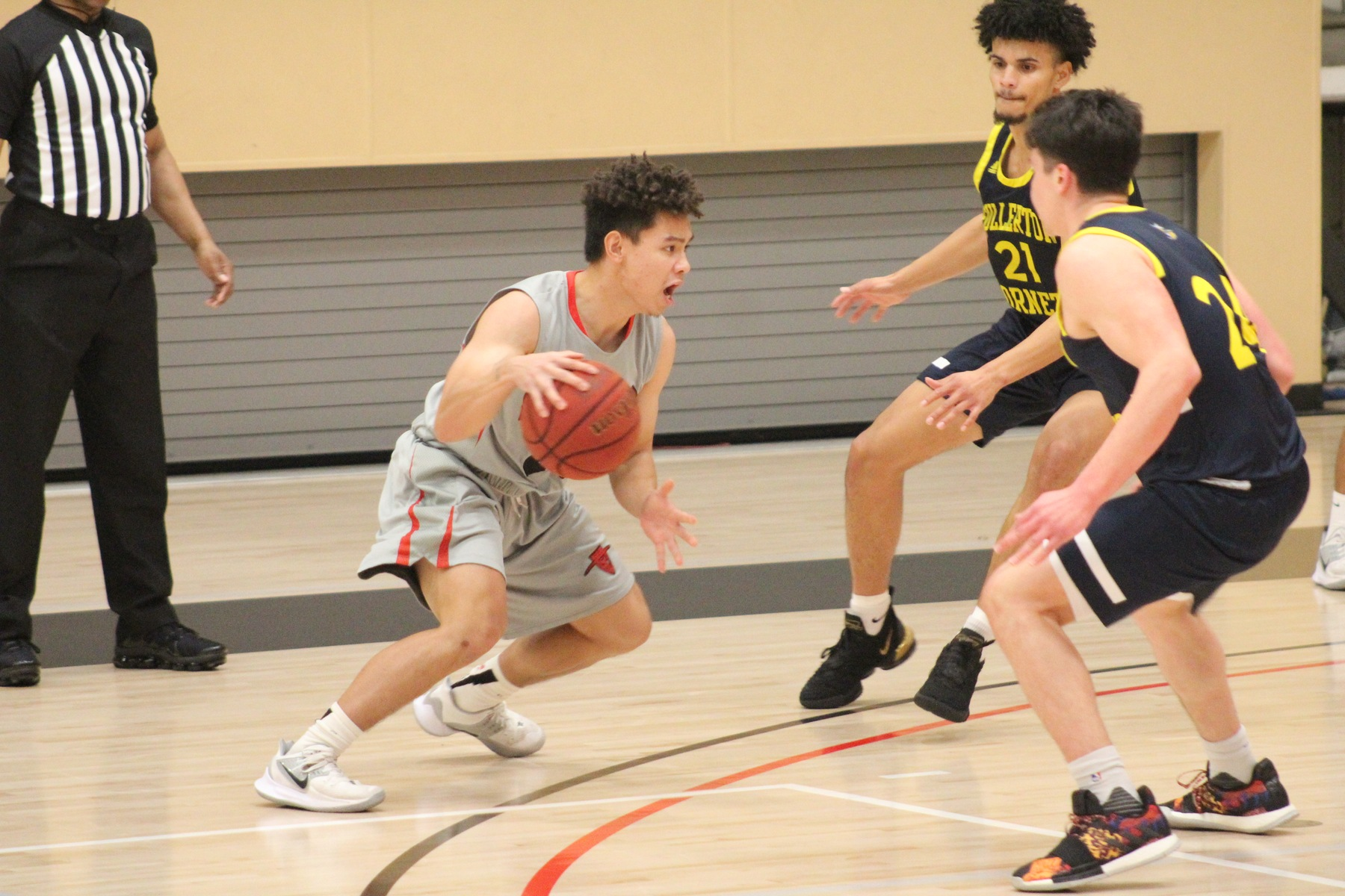 Dons Cool Off in Second Half, Drop OEC Contest to No. 3 Ranked Hornets