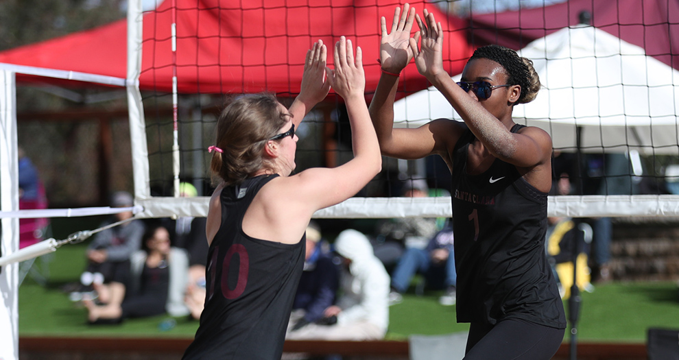 Erin Reineking (10) and Ngozi Nwabuzoh (1) won 21-19, 21-7 at No. 5 for their first victory as a pair on Wednesday afternoon.