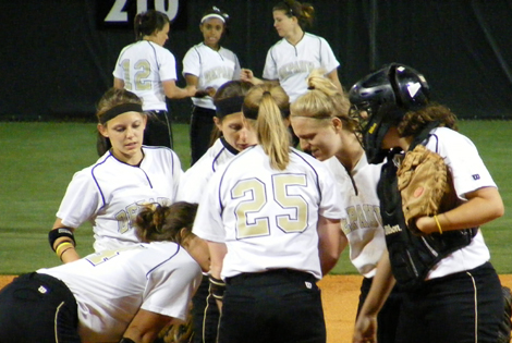 DePauw Edges out Southwestern as Favorite to Win 2011 SCAC Softball Title