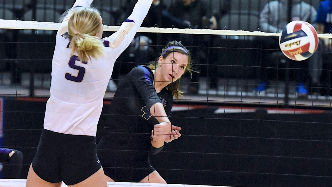 Mikaylah Gillespie recorded a team-high 12 kills on .265 hitting