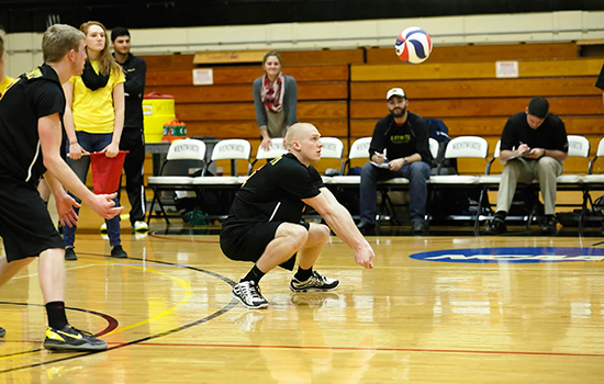 Men's Volleyball Splits at SUNY Poly Invitational