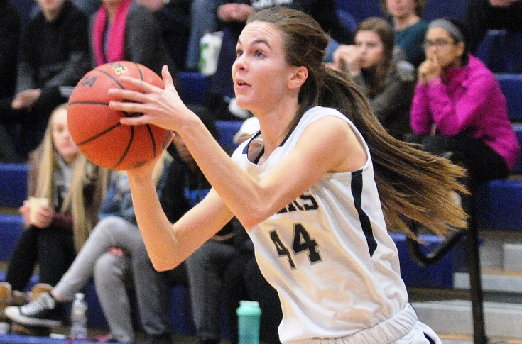 Women's Basketball: Raiders tripped up at Regis, 63-53