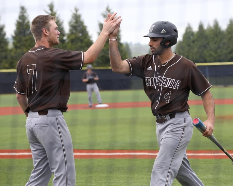 Seniors Ryan MacCarrick, left, and David Vaccaro capped off strong Bonnies careers Friday. (Photo: Becky Polaski)