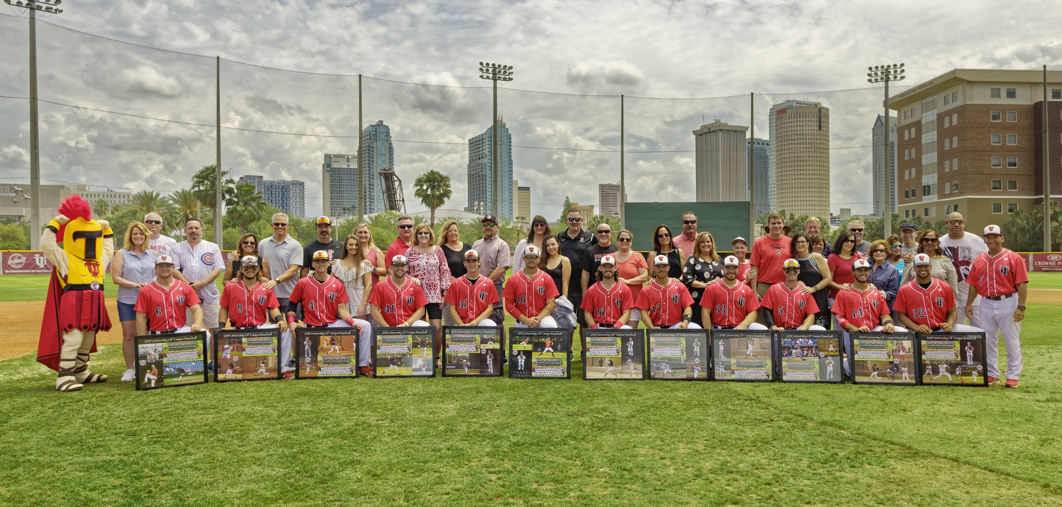 Spartans Honor Thirteen Seniors on Senior Day Versus Eckerd