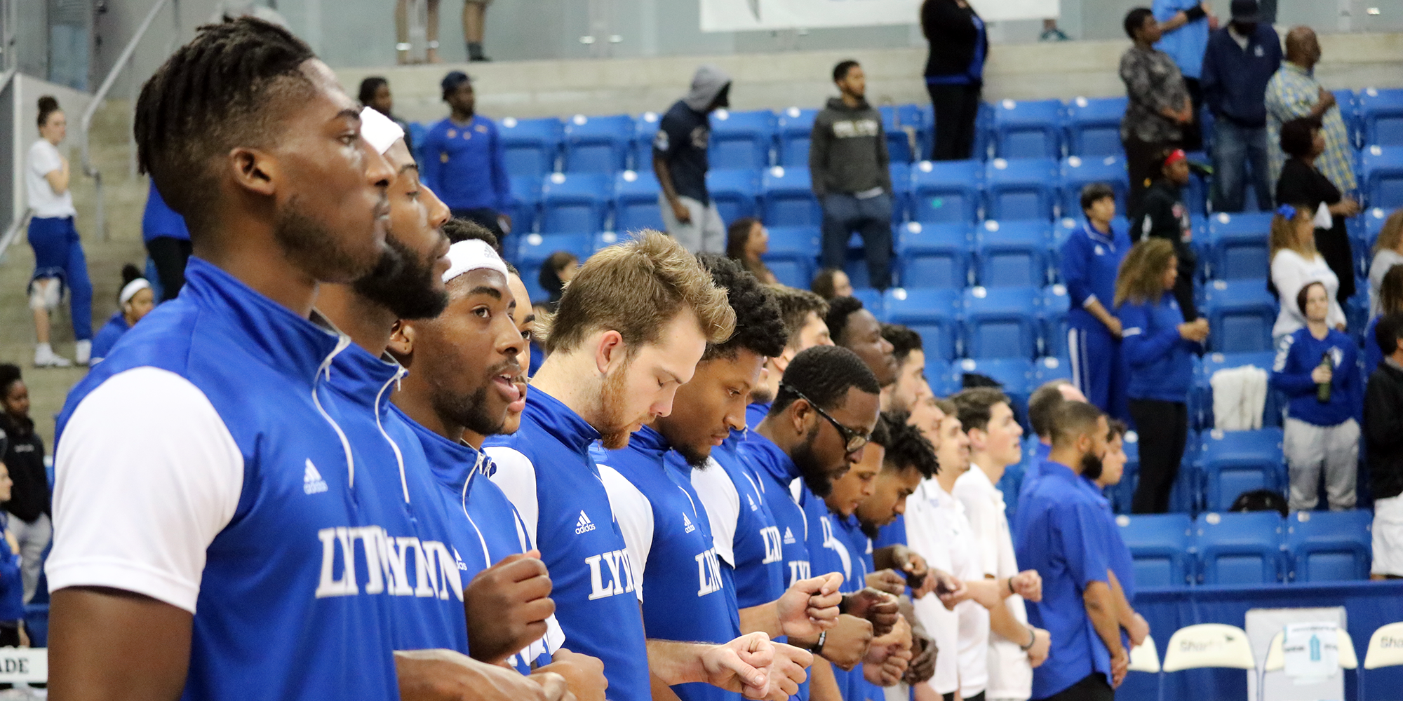 Men's Basketball Jumps to No. 14 in Media Poll; Holds in Coaches Poll