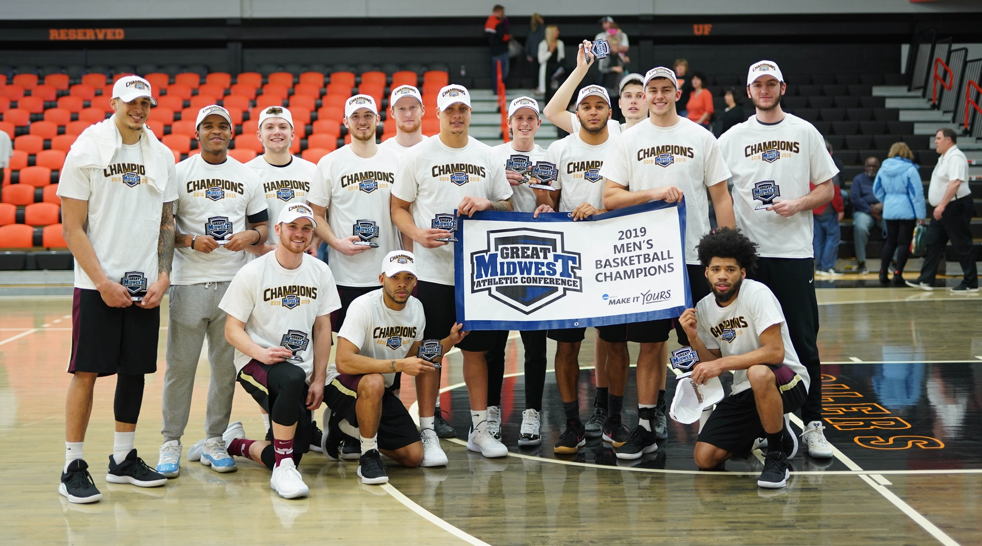 Cavaliers Win G-MAC Title in Overtime Battle With #6 Findlay